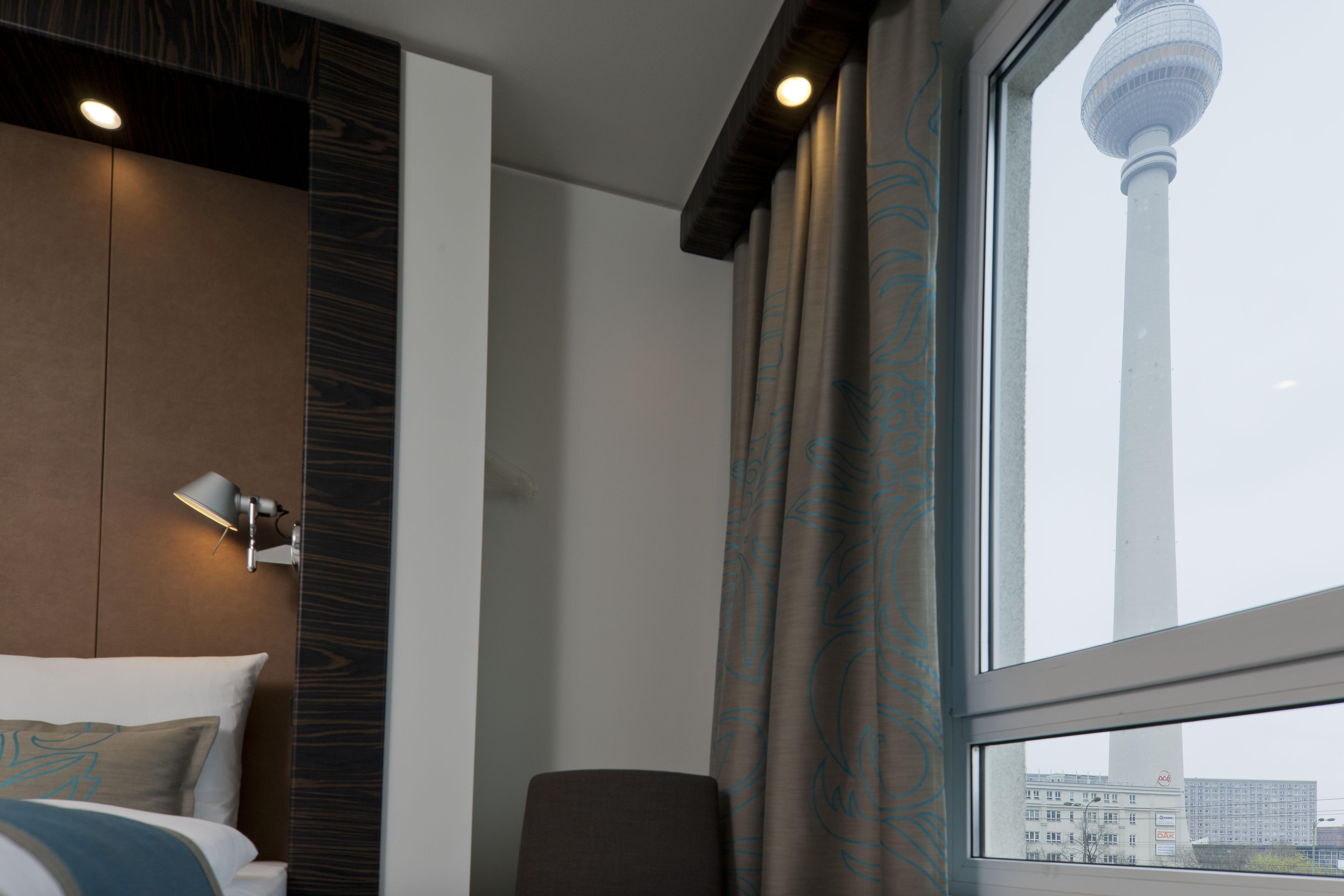 Hotel Berlin Hackescher Markt Motel One | design hotels Berlin ...