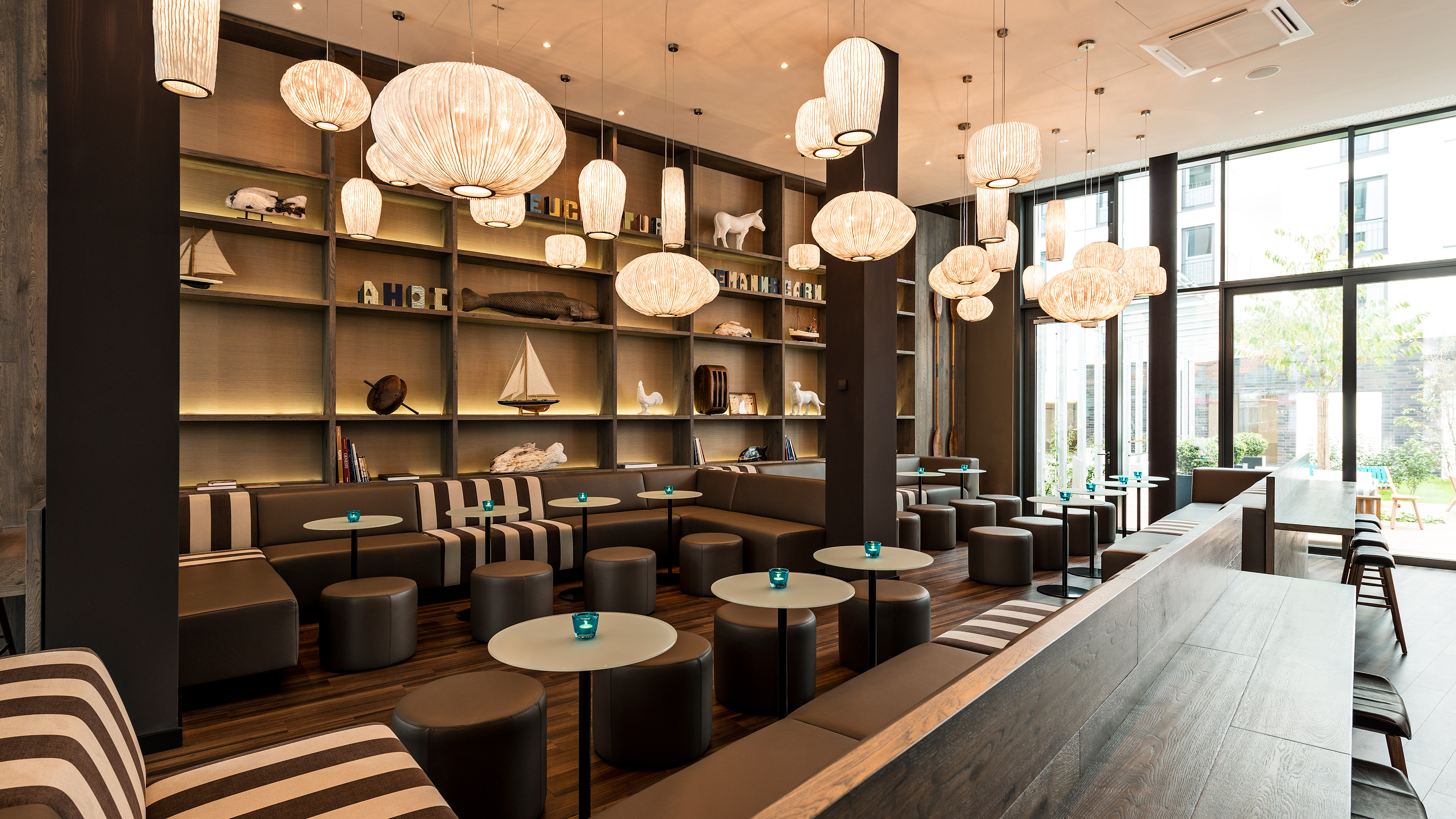 Hotel Bremen Motel One | Design Hotels Bremen