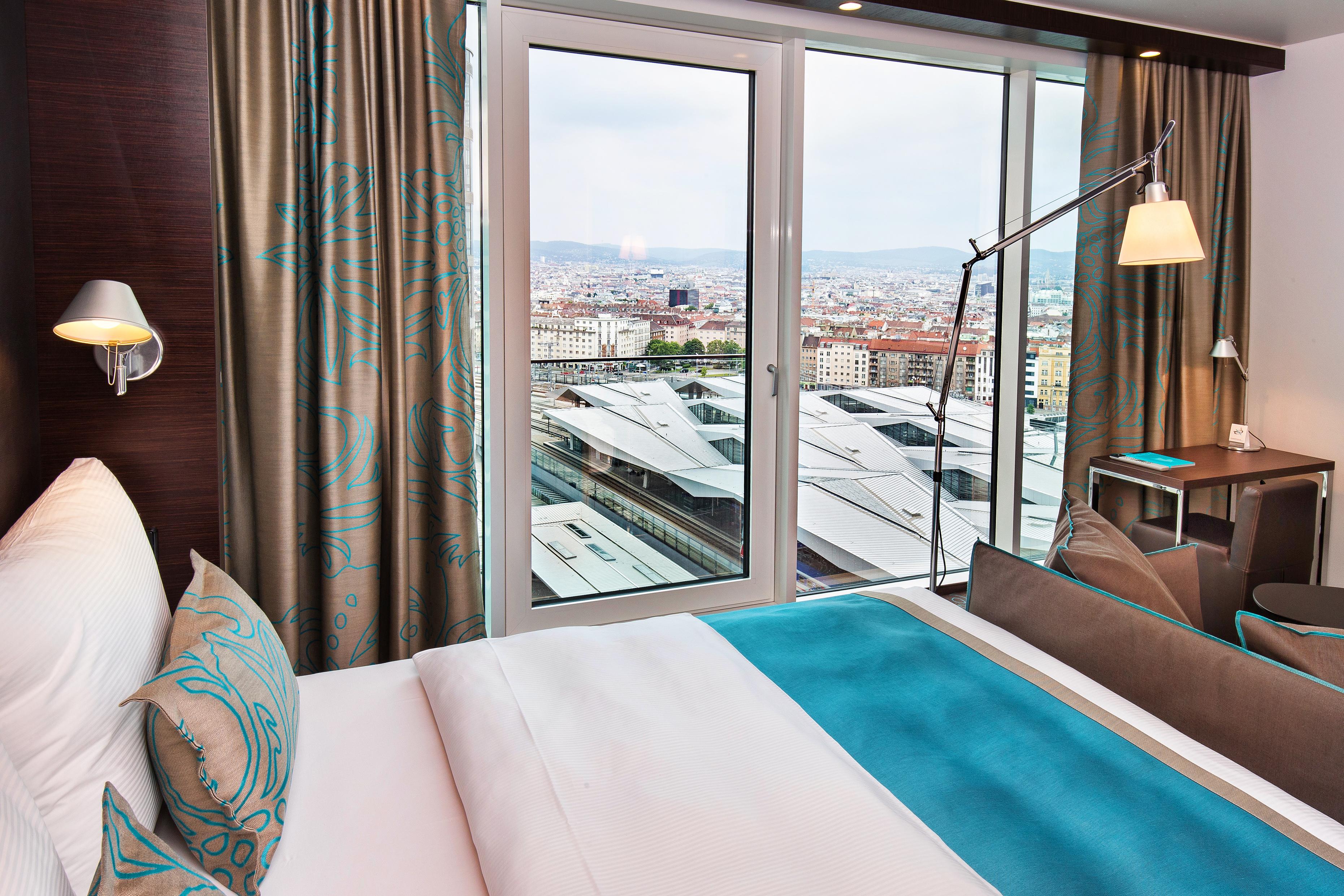 Hotel Vienna-Central station Motel One | design hotels Vienna ...