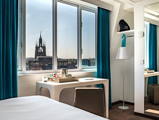 [Translate to English:] Hotel Newcastle Zimmer mit Aussicht