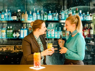 Employee talks: Try new drinks together