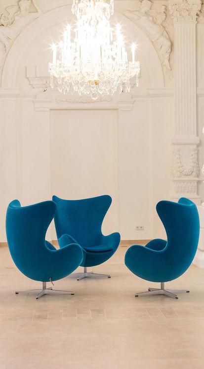 [Translate to Français:] Egg Chair im Motel One Wien-Staatsoper