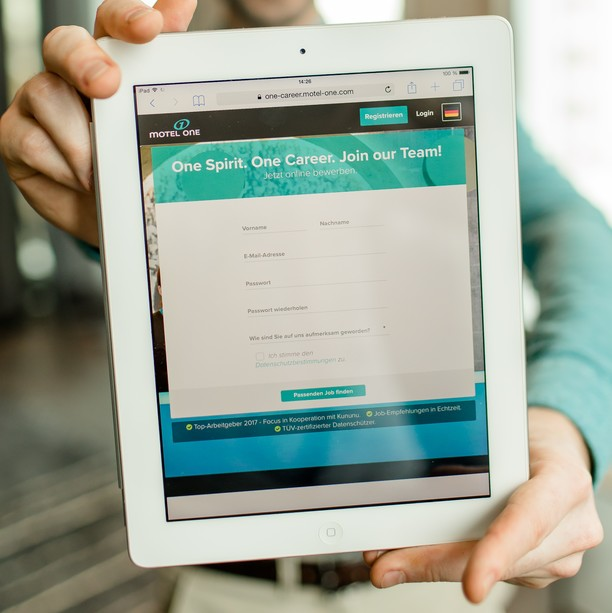 Einfach bewerben mit unserem Online-Bewerbungstool.