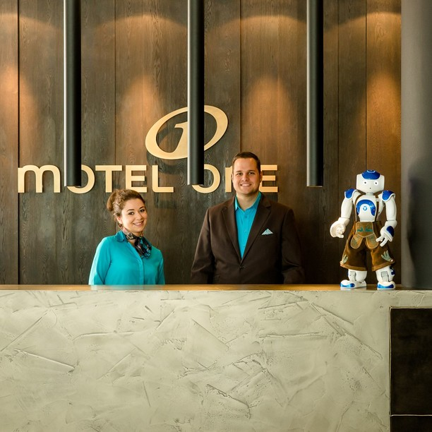 Motel One Front Office - check-in with the support of Sepp, the Motel One Robotor in Munich